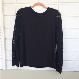 Tops - Lace sleeve black top